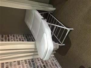 Salon treatment bed