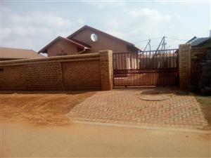 2 BEDROOMS HOUSE FOR RENTAL IN PROTEA GLEN EXT 12