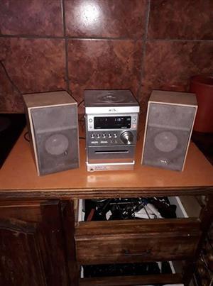 CD Radio and speakers
