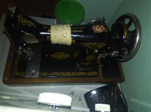 singer hand sewing machine working R850