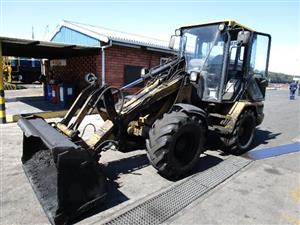 Caterpillar 906 Front End Loader - ON AUCTION