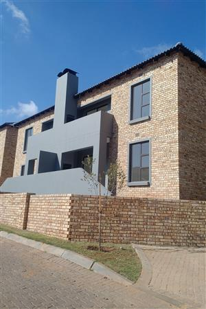 Brand new modern units in sought after area of Helderkruin , Roodepoort