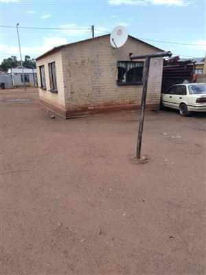 HOUSE IN SLOVO IN SOWETO WITH A BIG YARD FOR SALE