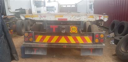 Tri axle trailer
