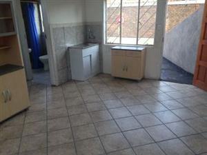 1,2 ,3  x Bedroom flat in Mayville Pretoria,