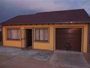 2 bed bedroom for rental in Soshanguve Bock ff