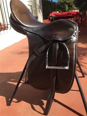 """17"""" Kieffer Showing Saddle"""