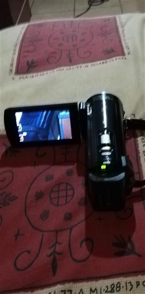 FULL HD Sony Handcam in mint condition , Hardly Used only for R 2000 or ONCO