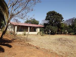 Smallholding in Waterval with House and Chicken - Coops For Sale. Make me an Offer