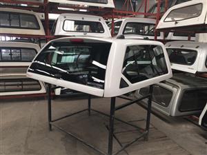 6135 VW Amarok DC White Executive Beekman Canopy