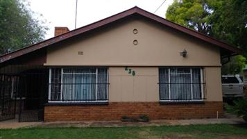 Spacious house with 3 bedrooms in Rietfontein
