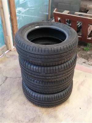 4 Goodyear 195-60R15 90-95 tread tyres for sale