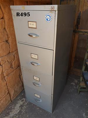 Steel Filing Cabinet (460x615x1325)
