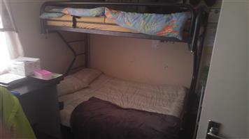 Bunk bed,