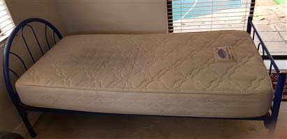 Single Bed x 2 with mattress