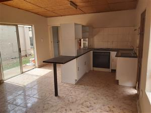 Lovely 1-bed garden flat in Pta North