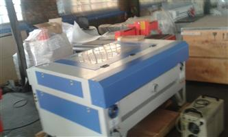 1390 100 w Laser cutter and engraver