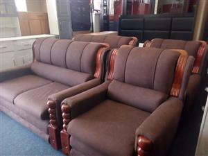 Brown 4 piece lounge suite