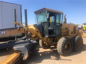 2004 Bell Grader 770ch hours 96458 in perfect working order Contact Bertie 072-707-9933
