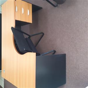 2x office desks