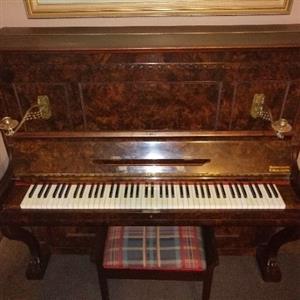 Gors & Kallmann piano