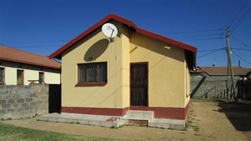 Naturena Ext 2bedroomed house to rent for R4500