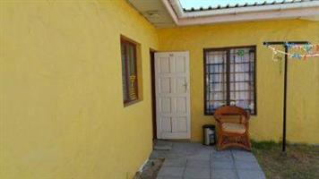 two bedroom cottage to let