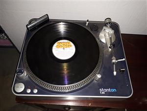 Stanton T50 DJ Turntable