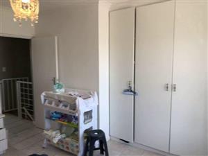 Neat 2 Bedroom apaprtment in Kensington