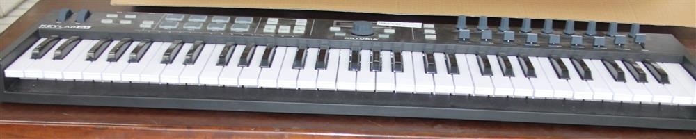 S034234A Arturia keylab essential keyboard in box #Rosettenvillepawnshop