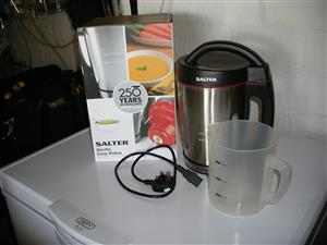Salter Electric Soup Maker  Makes smooth or chunky soup, comes with original recipe book and instructions.