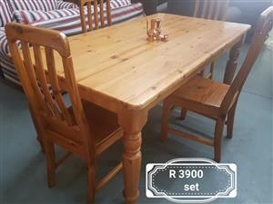 4 Seater light wooden dining set