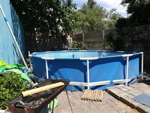Groot Intex swembad, 10mnde oud