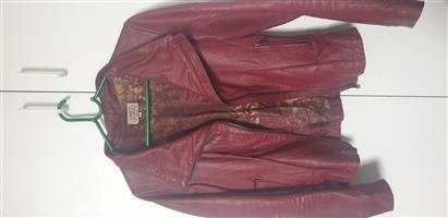 Elegant Leather Jackets for Ladies
