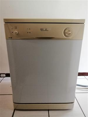 Kelvinator KD12WW Dishwasher for sale