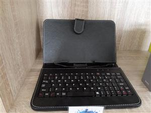 "SAVE NOW: 7"" UNIVERSAL TABLET COVER WITH WIRED KEYBOARD"