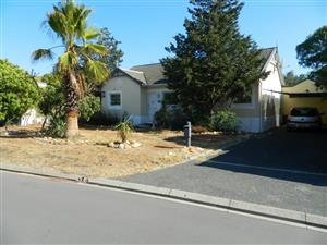 3 bedroom house  for sale in Table View Winelands area