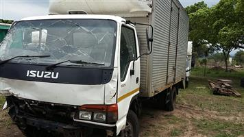 ISUZU NLR,NKR.NPR,NQR TRUCKS STRIPPING FOR SPARES