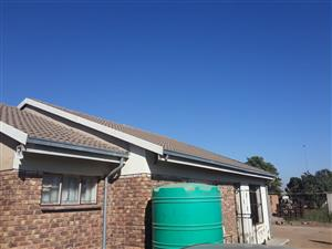 2 Bedroom house on sale for R350 000 at Marokolong/Hammanskraal