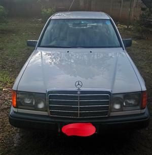 1989 Mercedes Benz E-Class sedan E 350d EXCLUSIVE