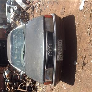Stripping Audi 500E 1989 for Spares