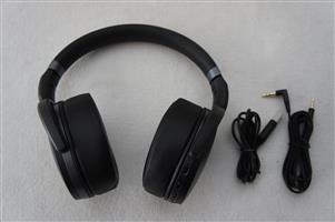 Sennheiser HD 4.40 BlueTooth Wireless Headphones