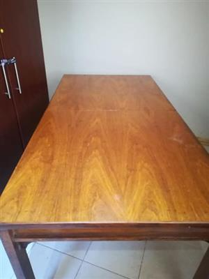 Dining table with 7 chairs and mini coffee table