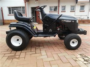 Mini tractor (No blades)