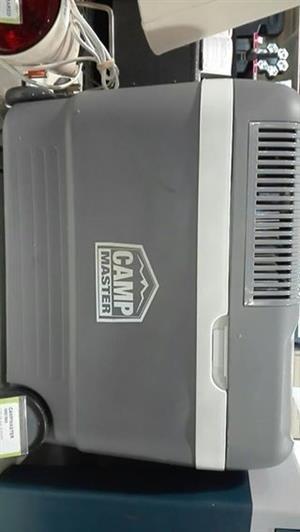 Camp master cooler