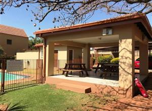 2 bedroom unit available at Jacaranda Lane, 29 Panther road, Boskruin available 1 August