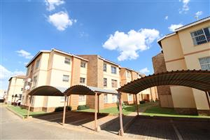 Great Investment! Flat in popular complex and within walking distance to NWU, Potchefstroom