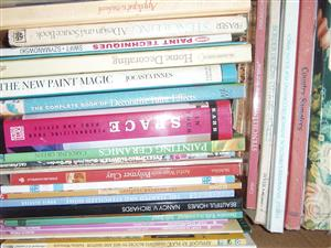 Deco Books / Painting / Stenciling , etc - +- 26 books in excellent condition