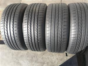 New set 225/45/18 Goodyear efficiency runflats tyres for sell