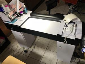 nail table in All Ads in Pretoria | Junk Mail